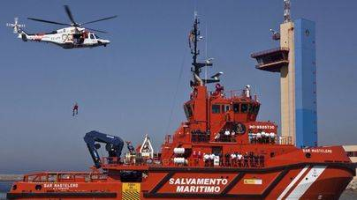 Más de 80 inmigrantes rescatados en la costa andaluza