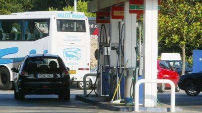 Balears tiene la gasolina más cara, Burgos y La Rioja la más barata
