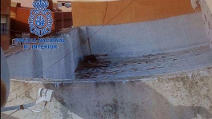Detenida por dejar morir a su perro atado y desatendido en una azotea