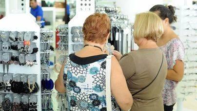 El pequeño comercio frena su avance de ventas en julio: 2,6 puntos menos que en junio