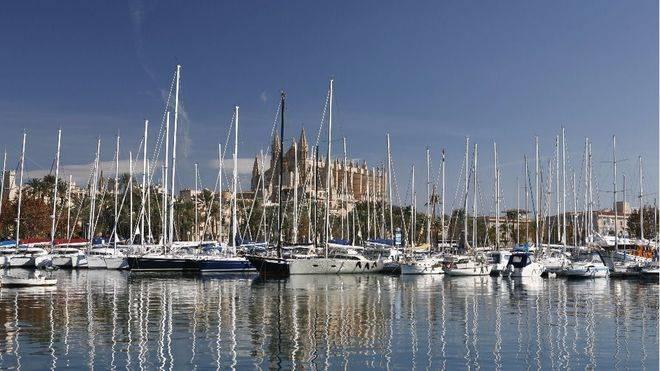 UGT quiere que los barcos privados que atracan en puerto o fondean en aguas baleares paguen ecotasa