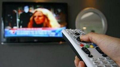 Telecinco lidera audiencias en agosto, y el consumo cae a 205 minutos diarios