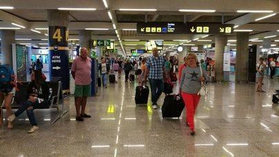 Son Sant Joan aumenta un 4,9 por ciento el número de pasajeros en agosto