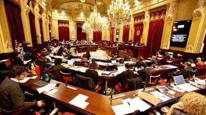 El Pleno del Parlament abordará el martes el reparto de la ecotasa y la independencia judicial