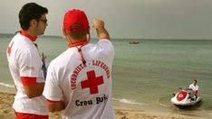 Creu Roja socorre a más de 1.500 personas en las playas de Balears