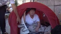 Roban en el campamento de los estafados por Fórum y Afinsa en huelga de hambre