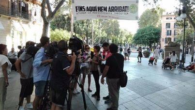 Pancartas contra el turismo en el centro de Palma