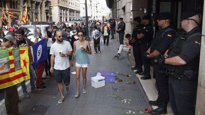 Detenidos 14 altos cargos de la Generalitat en los registros que investigan el 1-O
