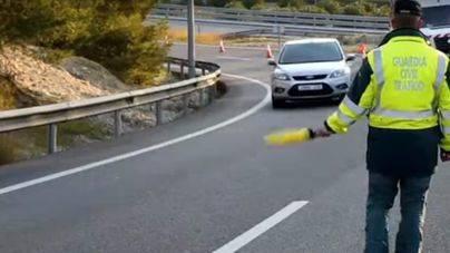 Dos mujeres heridas al colisionar una moto contra un coche en el túnel de Génova