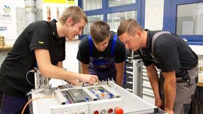 Casi el 80 por ciento de estudiantes de FP en Balears consiguen trabajo 2 años después de tener el título