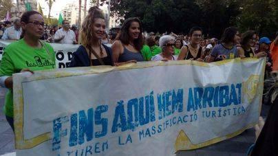 Miles de personas contra la política turística del Govern y la masificación