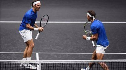 Lo nunca visto: Nadal y Federer forman equipo de dobles y deslumbran en la Rod Laver Cup