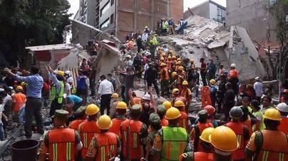 Aumentan a 307 las víctimas del terremoto de México