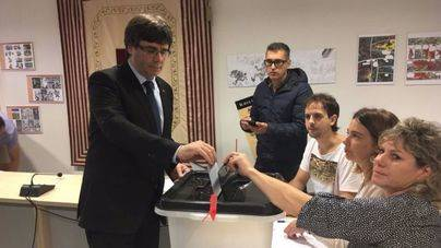 Puigdemont vota en Cornellà de Terri (Girona)