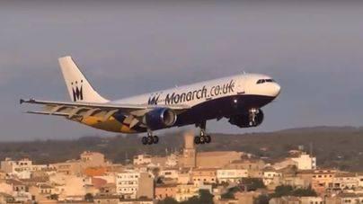 La compañía Monarch cierra y cancela decenas de vuelos en Balears