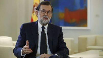 Rajoy exige a Puigdemont que renuncie a la independencia