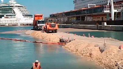 El Govern abre un expediente sancionador a Autoritat Portuària y Tirme por el vertido de escorias