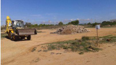 Emaya empieza a retirar residuos y escombros de Es Carnatge
