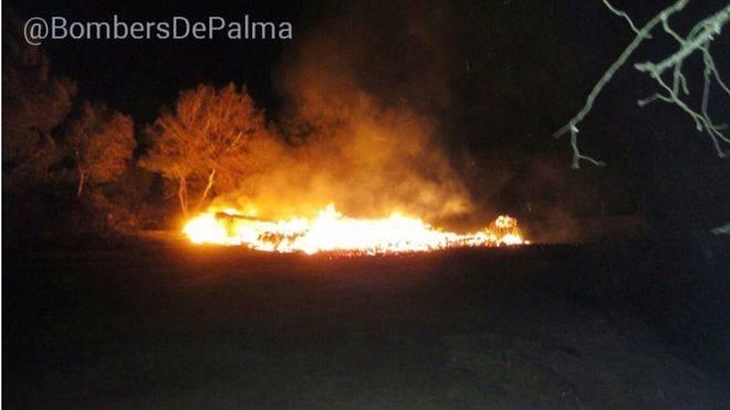 Imagen de las llamas que han quemado la oficina