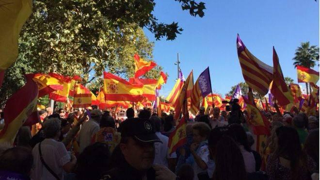 Miles de personas se han dado cita en Plaza de España