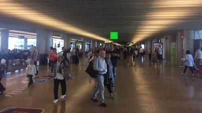 Unos 828.000 viajeros transitarán esta semana por Son Sant Joan