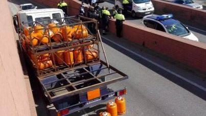 En libertad el turista sueco que sembró el pánico con un camión en Barcelona