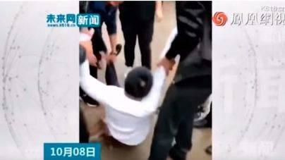 En coma al ser manteado por los invitados de una boda en China