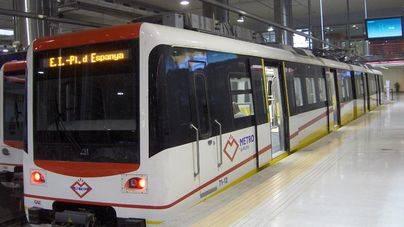 Sube un 26 por ciento el número de usuarios del metro de Palma, baja un 1,8 por ciento los de autobús