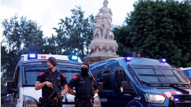 Los Mossos cierran el parque donde está el Parlament de Catalunya por seguridad