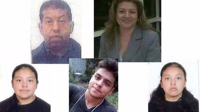Hallan a un matrimonio y sus hijos enterrados en su casa en México