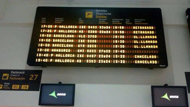 Iberia cancela un vuelo de Mahón a Palma y deja a 100 personas en tierra sin opción a volar hoy