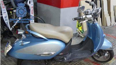 Dos detenidos por atracar una tienda de telefonía de Palma y huir en una moto robada