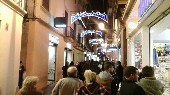El PI pide a Noguera que recule y apoye a todo el pequeño comercio con las luces navideñas