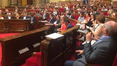 El Parlament aborda el lunes cuándo y cómo afrontar el 155 y la independencia