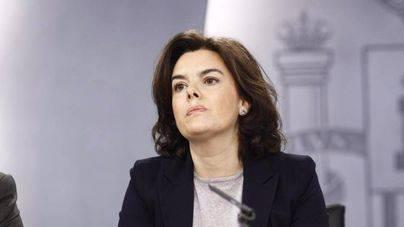 Sáenz de Santamaría dice que Puigdemont puede ir al Senado y alegar el 155