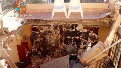 Se derrumba una terraza sobre un primer piso de Cala Major