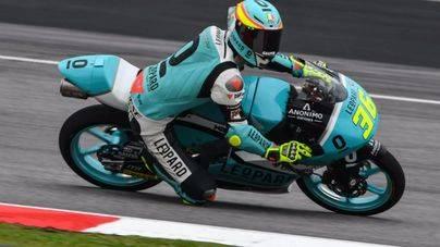 Joan Mir celebra su título de Moto3 con pole en Sepang