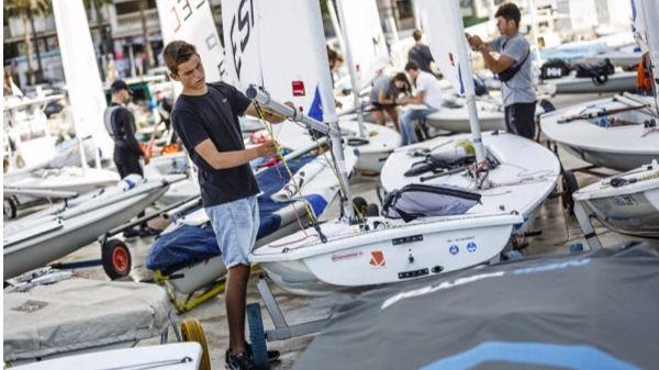 Más de 100 regatistas compiten en la Copa de España de Laser Radial
