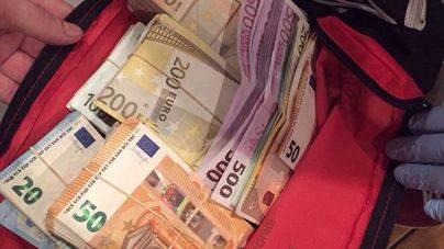 Detenidos por robar 400.000 euros en un hotel