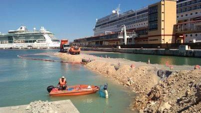 Autoritat Portuària propone a Govern y Cort trabajar juntos en la limpieza de la bahía de Palma