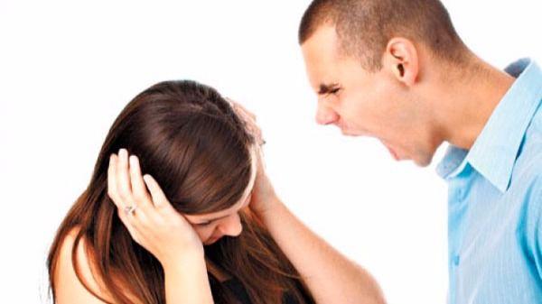 Uno de cada cuatro jóvenes ve 'normal' la violencia machista en la pareja