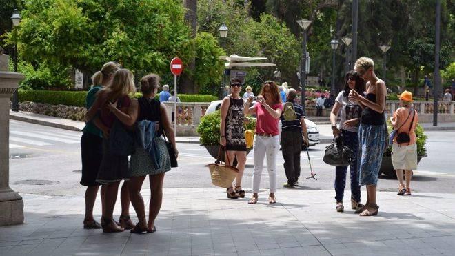El Govern insiste en aumentar el turismo en invierno y 'equilibrar' el número de visitas en verano