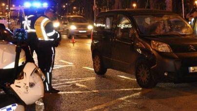 Dos heridos tras estrellarse un coche en la calle Manacor de Palma