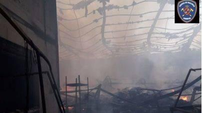 El IES Marratxí suspende el patio y salir a los pasillos por el humo tóxico del incendio