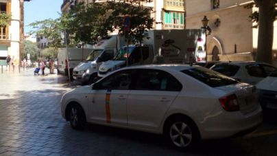 Los taxis de las islas paran hoy dos horas para protestar por Uber