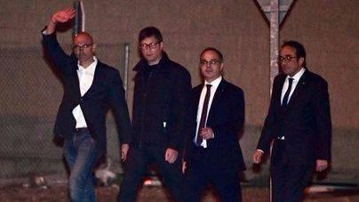 Romeva, Turull, Rull, Mundó, Bassa y Borràs salen de prisión tras pagar sus fianzas