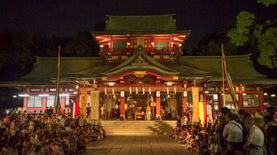 Mueren tres personas en un ataque con catanas en un santuario de Tokio