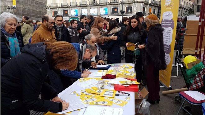 La asociación 'Hablamos Español' recoge más de 30.000 firmas