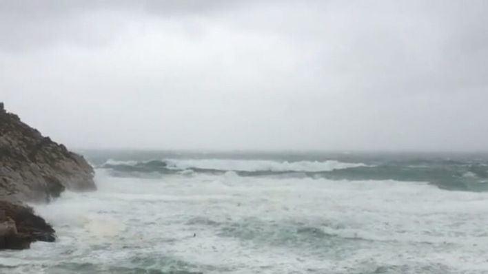 Los vientos podrían llegar a los 100km/h