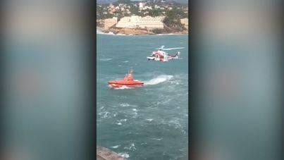 Vuelven a buscar por tierra, mar y aire al pescador que cayó al mar en Santa Ponça